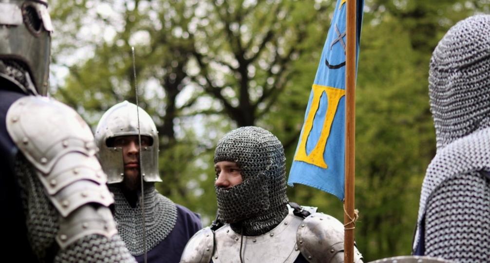Ritterliche Tugenden und historische Schwertkämpfe